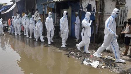 印度这次不再嘴硬,开始全面采购中国疫苗,疫情严重撑不住了?