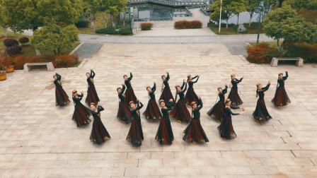 独特的民族风味!俏皮活泼的维族舞蹈,看完还想再看一遍!