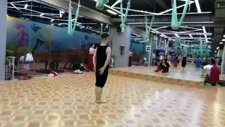沈阳小白老师古典舞【我和我的祖国】完整版背面
