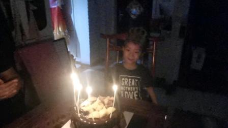 于沐晨,小朋友五岁生日快乐,给孩子留下一个美好的回忆,。