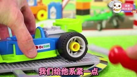 我们的赛车手好喜欢绿色的车子啊