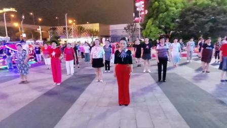 (161)广场舞《红红红》万达广场。徐淡吟老师🌹🌴💄💐