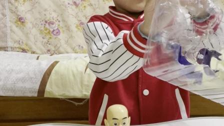 趣味童年:这个光头强咋没穿衣服啊
