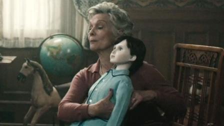 老太太把人偶当儿子,月薪65万请美女照顾,目的实在太可怕!