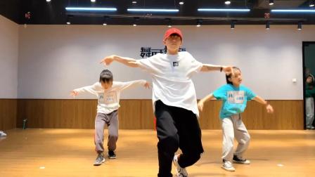 舞时舞刻万宝城校区|少儿urban班|可乐老师