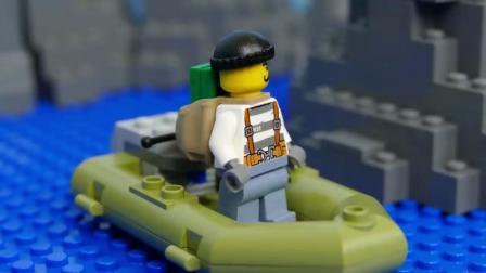 少儿玩具:警察抓小偷,都用上潜艇了。