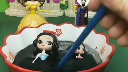 童年乐趣:白雪中了贝儿的黑魔法了