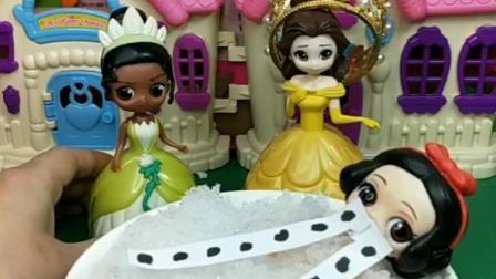 童年乐趣:白雪太可怜了,快帮帮她吧