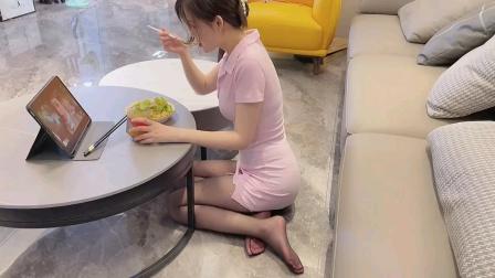 美女每日一餐