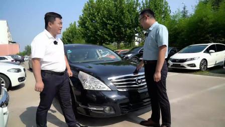 今天一个粉丝让小刘帮忙看看刚买的二手车,最后有点尴尬