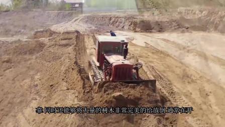 为什么两台推土机牵引铁锁链可以快速清理切割灌木丛 ?