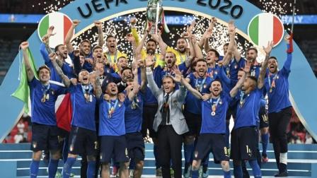 欧洲杯官方最佳阵容:意大利5人英格兰3人,卢卡库、佩德里在列