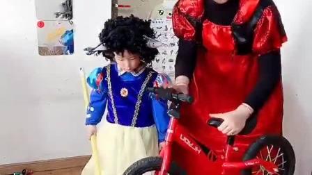 快乐童年:这是我送给你的自行车!