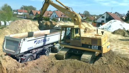 为什么履带式挖掘机是挖土装载卡车的重要工程机械 ?