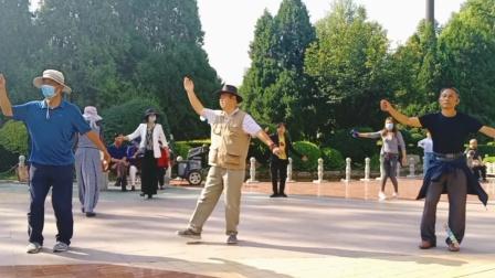 藏族锅庄舞视频(652)西宁麒麟湾公园127