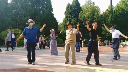 藏族锅庄舞视频(653)《爱的牧女》西宁麒麟湾公园128
