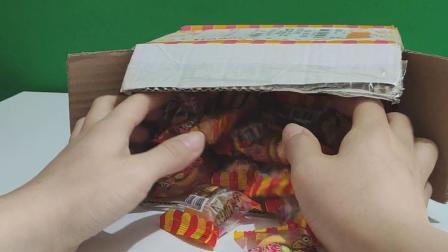 小象艾米丽爱吃汉堡糖
