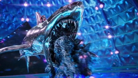 外星人入侵地球,偶遇超能熊孩子,几滴眼泪就能幻化出鲨鱼!电影