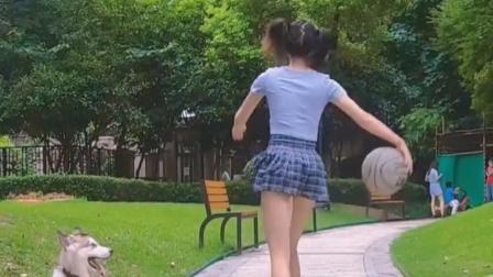 玩狗狗的球,让狗无球可玩!