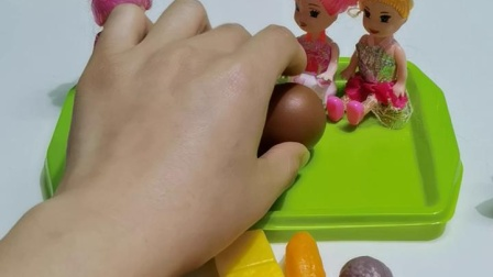 益智早教:小朋友开始吃地瓜