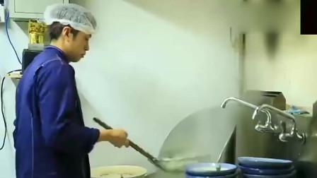 大胃王小姐姐挑战超大碗面条,吃着美滋滋真是太痛快了