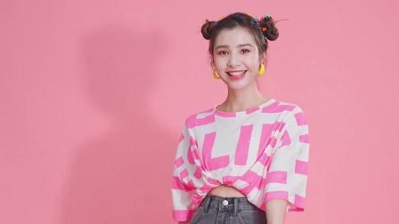 韩版图案T恤搭配直筒牛仔裙,充满时尚魅力
