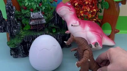 趣味童年:恐龙妈妈在等恐龙宝宝出来