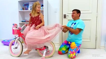 小萝莉在吃西瓜弄脏衣服,看爸爸该怎么办