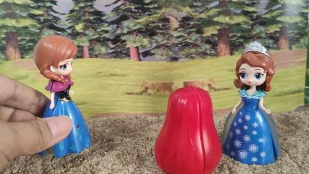 安娜逼雪儿吃下毒苹果