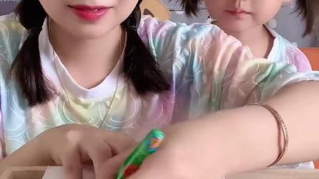 糖果小屋:猜猜这是笔还是糖?