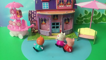 凯迪嫉妒佩奇和苏西是好闺蜜,到处挑拨离间