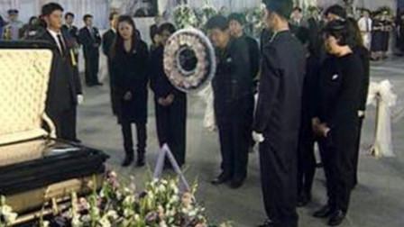 邓丽君葬礼影像,规模空前巨大,各界人事纷纷到访悼念