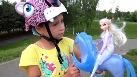 冰雪公主送给萌娃一件神奇的武器,弟弟得救了