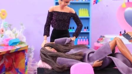 美容院的彩发公主和黑发公主,谁的美甲好看