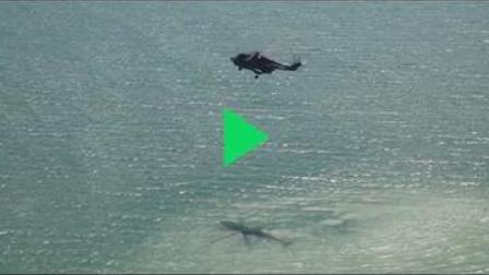 解放军两栖装甲部队出动!东南沿海上演夺岛演练,外人伸手必被捉