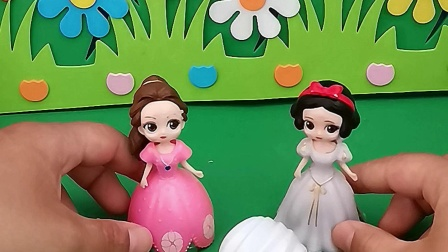 少儿益智:王后不让白雪贝儿吃糖果