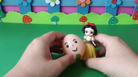 益智玩具:艾莎变成了白雪的样子