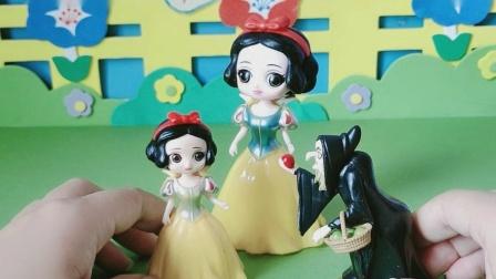 益智玩具:巫婆婆说是小雪儿的善良打动了自己
