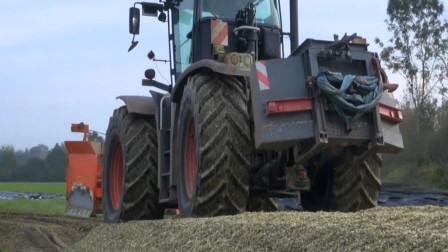 展示农场里的农用工程车 创意玩具