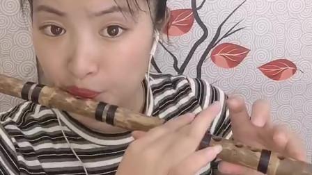 小姐姐的笛子演奏《玛尼情歌》