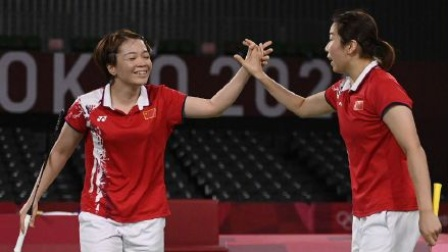 羽毛球女双金牌赛