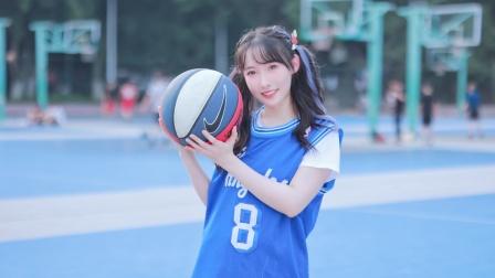 去篮球场来一曲青春热舞,为中国队加油!