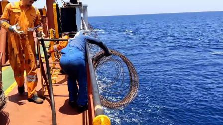 满载7.5万吨煤炭过索马里海盗区,雇佣特种兵护航,全程真实记录