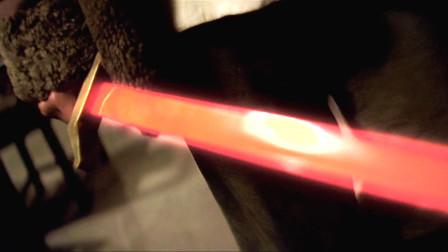 没见过这么快的剑,洋鬼子连人带枪竟被一刀两段!