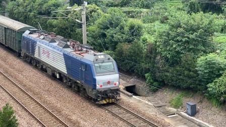 hxd2b货列通过经五立交
