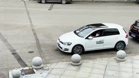 女的要买新车,男的却买了二手车,为了这个两人下车打了一架
