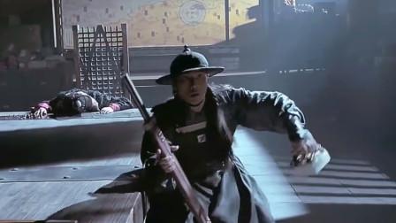 《锦衣卫》不愧是青龙,玄武见了差点摔倒,霸气侧漏!