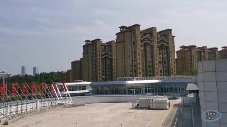 青岛市老年活动中心周围三面环山,环境优雅!