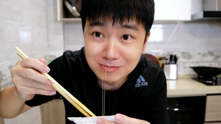 日本纳豆配生鸡蛋,精神年轻小伙的必备早餐