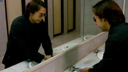 老婆婆进了男厕,小伙过去一看,原来老婆婆是鬼